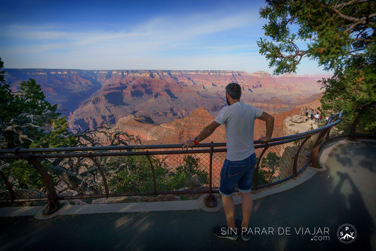 Grand Canyon village lookout